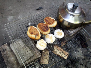 Photo: むりやり焼きおにぎり 2003, Saitama, Japan, Sony Cyber-shot U10, 5mm(33mm)/F2.8