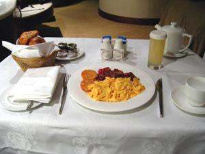 Photo: American breakfast 2004. Contax Tvs Digital, Carl Zeiss Vario Sonnar T* F2.8-4.8/35mm-105.
