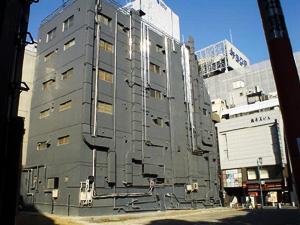 Photo: 空き地 2003. Tokyo, Japan, Sony Cyber-shot U10, 5mm(33mm)/F2.8, JPEG.