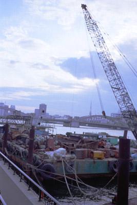 Photo:2001. Sumida-River, Japan, CONTAX T2 Carl Zeiss T* Sonnar 2.8/38, Fuji-Film RHP III, F.S.,