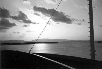 Photo: 伊江島伊江港 1995. Okinawa, CONTAX T2 Carl Zeiss T* Sonnar 2.8/38, Fuji-Film,