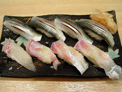 Photo: 2003. 小鰭と鯛の握り Tsukiji, Tokyo, Japan, Contax Tvs Digital, Carl Zeiss Vario Sonnar T* F2.8-4.8/35mm-105, JPEG.